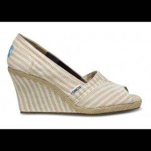 TOMS Classic Linen Pinstrap Canvas Wedge